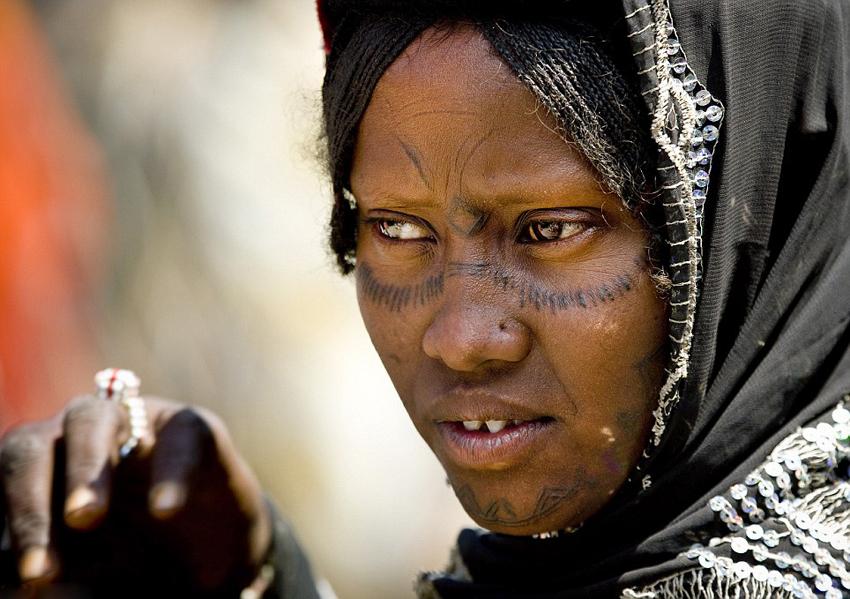 国外土著人伤疤纹身风俗(三)