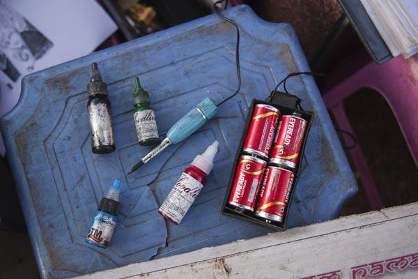 印度街头纹身仪器图片