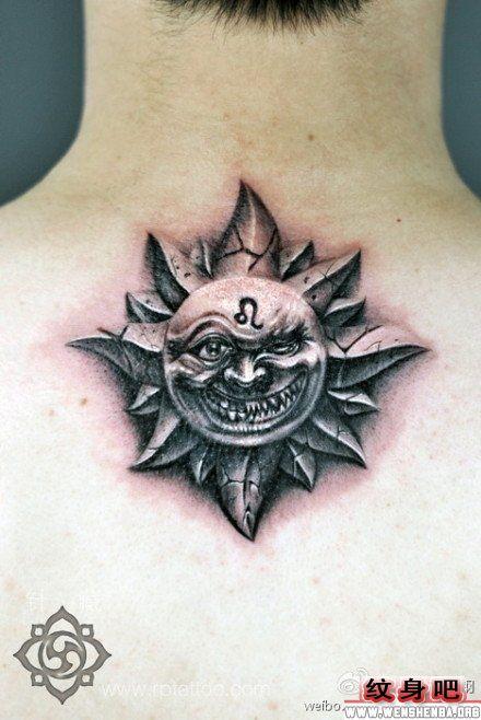 男生石雕太阳与星座符号脖子纹身图案