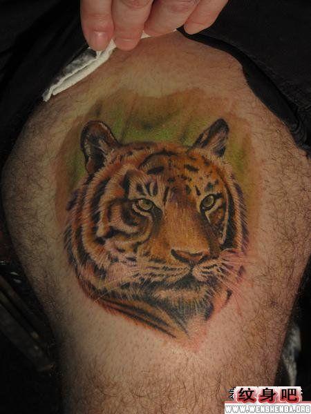 大腿老虎虎头纹身作品