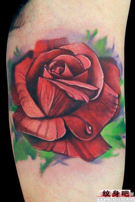 手臂内侧精美的玫瑰花纹身图案